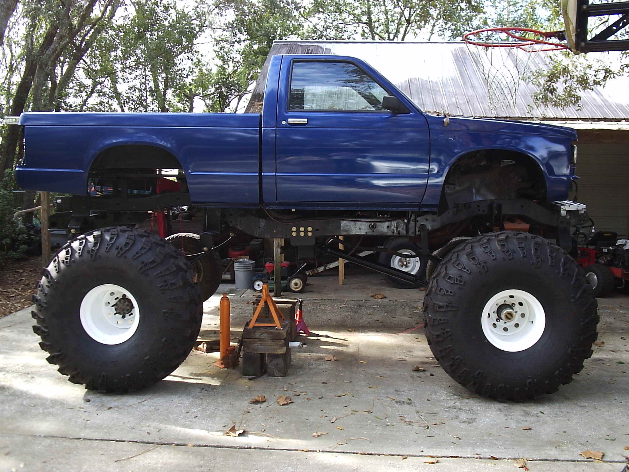 Monster truck pictures how to make s cool truck how to make mini monster truck publicscrutiny Images